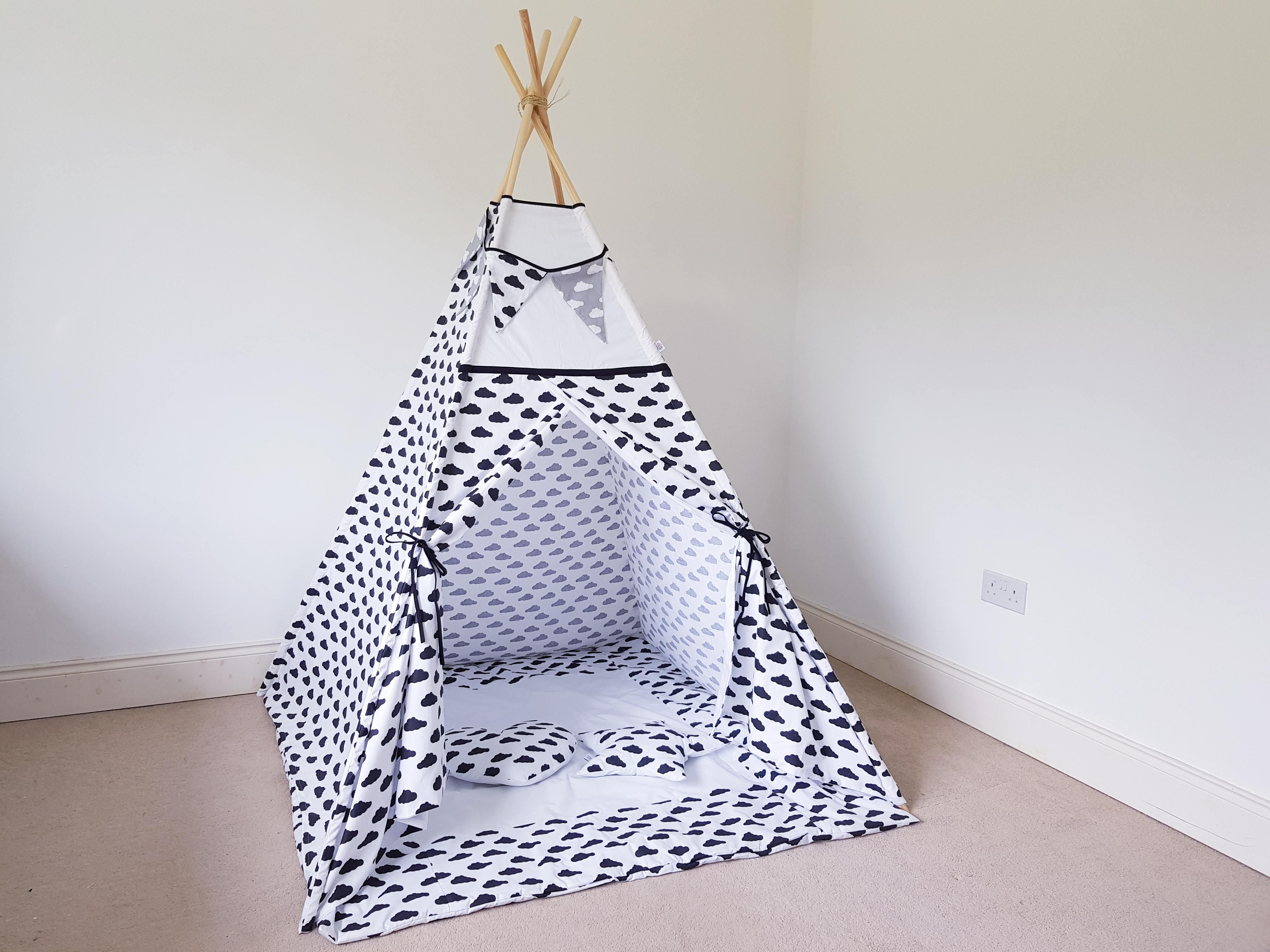 the best attitude 405c6 228ba Black And White Clouds Kids Teepee Tent