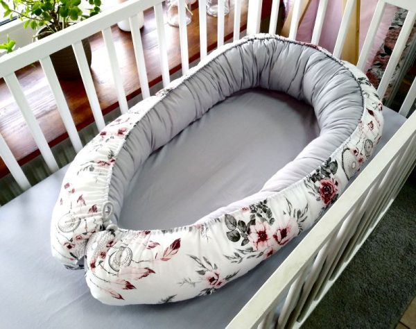 Flowers and dream catchers grey cotton nest bed 1