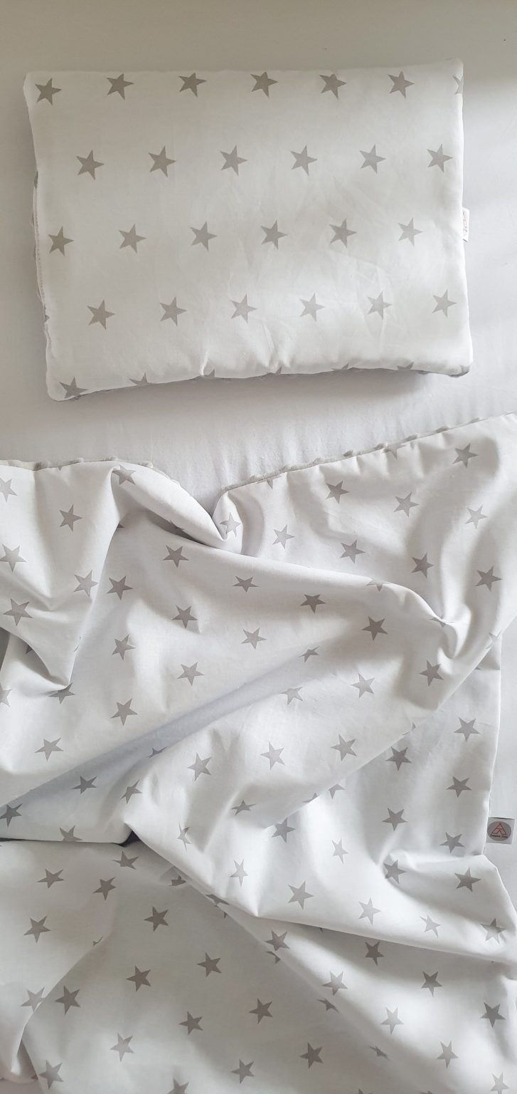 White and grey stars pillow and blanket 1