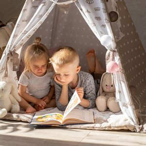 kids-in-teepee-tents